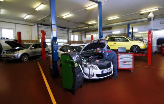 Příprava auta na STK a měření emisí Bosch Car servis Opava
