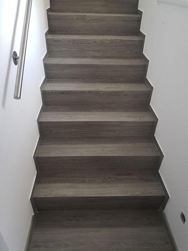 Vinylové schodiště v imitaci dřeva, kamene, dlažby - Bukoma group s.r.o.