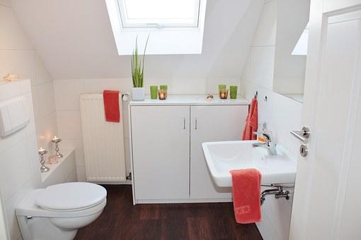 Vybourání staré koupelny, nová koupelna včetně vybavení
