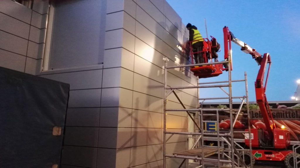 ZKZ stavební s.r.o. vyrábí a montuje provětrávané fasády