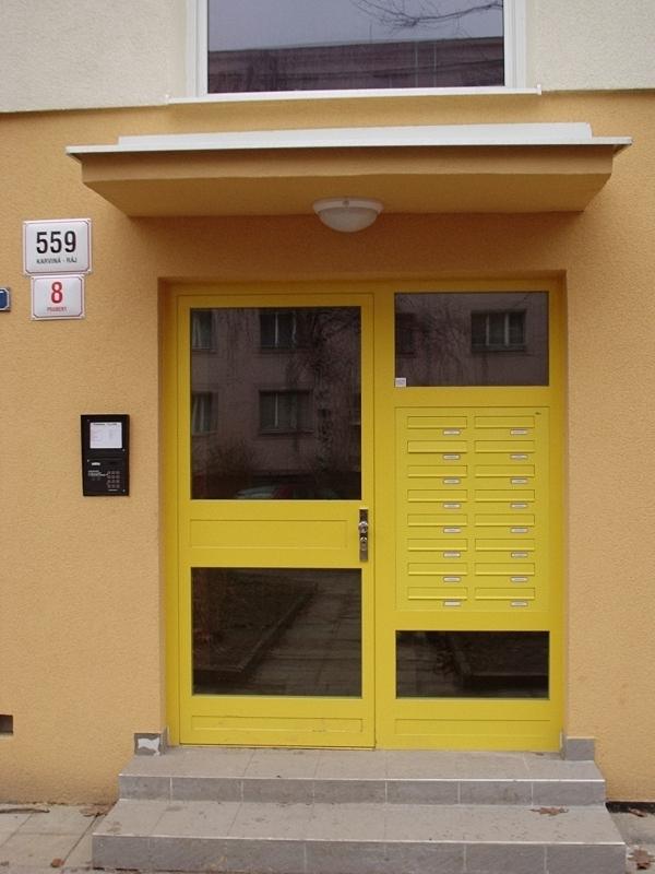 Venkovní ocelové jednokřídlové dveře