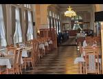 Letní lázně s restaurací a kavárnou, obchůdek a cukrárna v Karlově Studánce