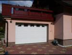 Sekční garážová vrata Kružík, Hörmann nebo Lomax – dodání a montáž
