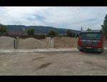Kontejnerová doprava, dovoz stavebního materiálu, stěhování strojů