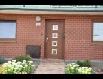 Vchodové dveře PERITO s dveřní výplní z plastu, hliníku, skla včetně doplňků