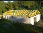 Výroba dřevěných příhradových vazníků, nosných střešních konstrukcí na klíč