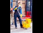 Úklidové služby v administrativních budovách, firmách, obchodech, výrobních podnicích