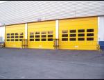 Průmyslová garážová vrata, vyrovnávací můstky, lamelové závěsy a těsnicí límce