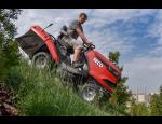 Zahradní traktory SECO s příslušenstvím, příkopové sekačky BOMFORD včetně vybavení