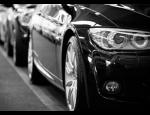 Pravidelná údržba automobilů, ruční mytí vozidel, renovace laku a vyčištění světlometů