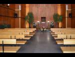 Pietní rozloučení se zemřelými v krematoriu, obřadní síni, kostele, privátní rozloučení