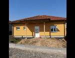 Stříkané probarvené fasádní omítky nových i rekonstruovaných rodinných domů