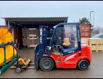 Krátkodobé i dlouhodobé skladování zboží, manipulace se zbožím, logistické služby