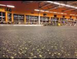 Pryžové podlahy do fitness, gumové puzzle i kotouče pro vzpírání