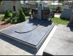Kamenné hroby, pomníky, náhrobní desky z kamenické dílny na Kroměřížsku