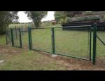 Kvalitní poplastované pletivo pro oplocení zahrad i lesních obor