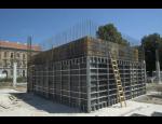 Stěnové a stropní bednění, systém ochrany volného okraje – kvalitní a bezpečné