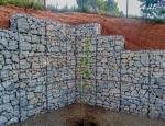 Realizace drátěných stavebních prvků, zídek, plotů a obkladů stěn z gabionů