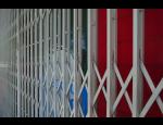 Bezpečnostní certifikované pevné a otevírací mříže, nůžkové mříže podle norem