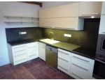 Výroba kvalitních kuchyňských linek na míru, od zaměření, přes realizaci, až po servis a údržbu