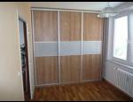 Vestavěné skříně na míru - ideální řešení pro získání úložného prostoru