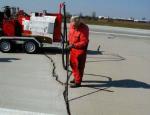 Lokální opravy vozovek, zalévání trhlin, spár, mostních závěrů, plošné těsnění