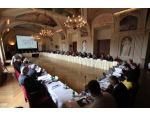 Konference a kongresy, technick� vybaven�, tlumo�en�, catering