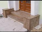 Žulové a kamenné schodiště, vnitřní a venkovní okenní parapety, stavební prvky s jedinečným designem na míru