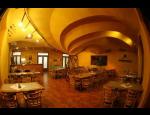 Svatební hostiny, rodinné oslavy, společenské akce i s ubytováním v Telči