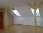 Pokládka podlahových krytin, dřevěné podlahy, plovoucí laminátové podlahy, dlažby