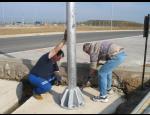 Kvalitní stožáry a výložníky pro veřejné osvětlení zajišťující bezpečnost kolemjdoucích a vozidel