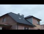 Kvalitní střešní konstrukce a správně položená střešní krytina je základem každého domu