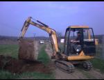 Zemní a výkopové práce kolovým rypadlem, minibagrem a smykovým nakladačem