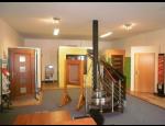 Interiérové a exteriérové dveře, garážová vrata