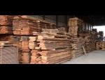 Stavební řezivo Jihlava, dřevěné trámy, kůly, fošny, prkna, latě, hranoly