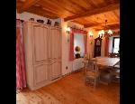 Zakázková výroba nábytku, nábytkové stěny, postele, skříně, komody