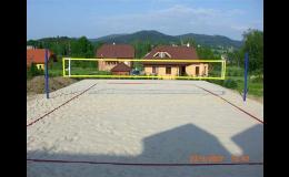 Přírodní sportovní povrch pro beach volejbal