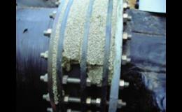 Plnicí hmota na bázi petrolata pro dutiny a nerovné povrchy