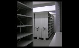 Regálový systém Compactus pro vysoké archivační haly