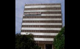 ARS AXIOM REAL spol. s r.o. Praha čistí fasády domů, budov