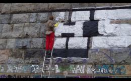 ARS-AXIOM REAL spol. s r.o. Praha odstraňuje graffiti