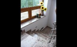 Žulové schody do interiérů - kamenictví METAL GRANIT