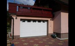 Sekční garážová vrata Kružík od firmy BLABLA VRATA s.r.o.