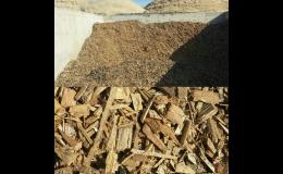 Dřevní štěpka modřínová, štípané dříví, Opava