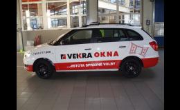 Reklamní polepy aut tištěnou nebo řezanou grafikou