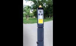 Obslužné sloupky pro umístění semaforů a obslužných prvků