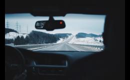 Opravy a výměna autoskel osobních vozidel, nákladních aut a autobusů