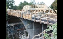 Výroba nosníků pro pomocnou mostní konstrukci