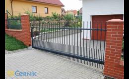 Vjezdová brána na zakázku - ČERNÍK s.r.o. Uherský Brod