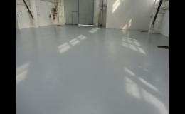 Průmyslové podlahy z epoxidové a cementové stěrky